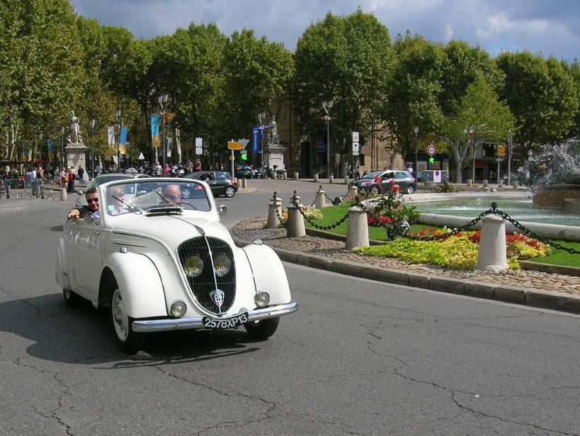 202 Cab. 1939 / Claude