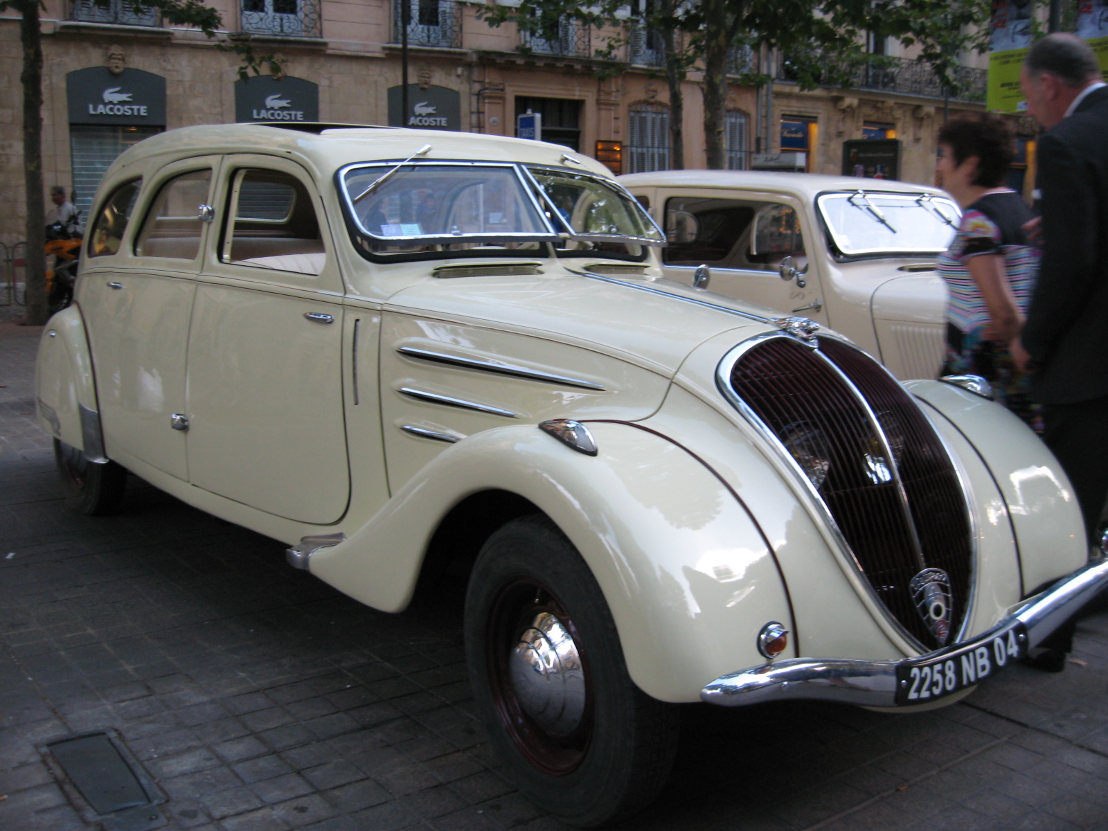 Restauration D'une Peugeot 202 Cabriolet 1939